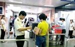 Bị phạt nặng vì dùng giấy tờ giả đi máy bay