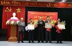 Trao tặng Huy hiệu 30 năm tuổi Đảng cho 3 Đảng viên