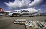 Nhu cầu vận chuyển hàng bằng máy bay tăng vọt vào dịp cuối năm