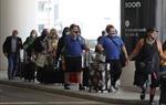 Mỹ phạt tiền đối với hành vi không đeo khẩu trang trên máy bay
