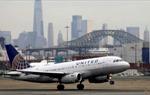 United Airlines sa thải 593 nhân viên vì từ chối tiêm vaccine Covid-19