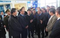 Chủ tịch UB ATGT QG, Phó Thủ tướng Nguyễn Xuân Phúc kiểm tra công tác vận tải hành khách tại CHKQT Nội Bài