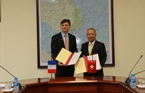Cục HKVN và Tổng cục HKDD Pháp ký kết Chương trình hỗ trợ kỹ thuật trong lĩnh vực an toàn hàng không