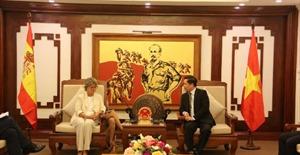 Tăng cường hợp tác trong lĩnh vực hàng không và đường sắt giữa Việt Nam và Tây Ban Nha